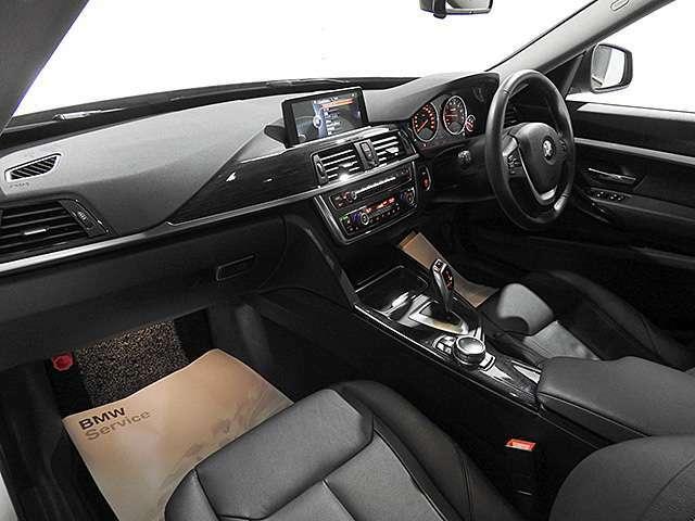 CD、リアカメラ&センサー、革シート、ドライブレコーダー、電動シート、シートヒーター、電動リアゲート、クルーズコントロール、ドライビングアシスト、18インチアルミ