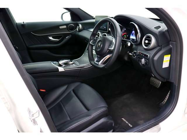●パワーシート装備車★スイッチ操作で、ポジションの微調整が可能。