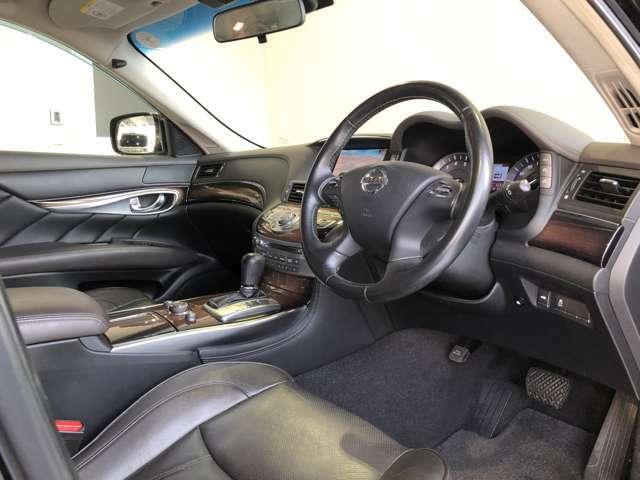 当社の在庫は、全車第三者機関の査定を通った車両ですので、状態に関しましては確かな一台を御案内致しております。