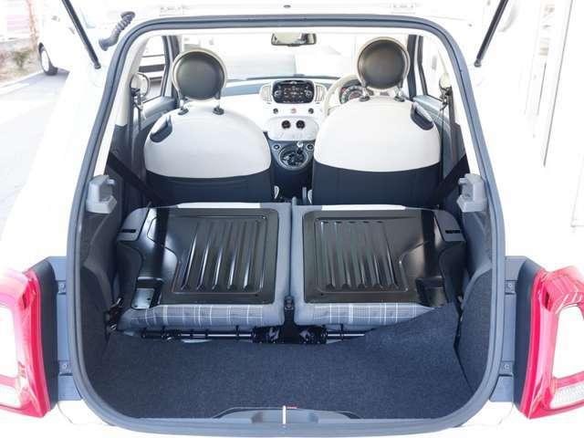 後部座席を倒せば約3倍の積載容量に。
