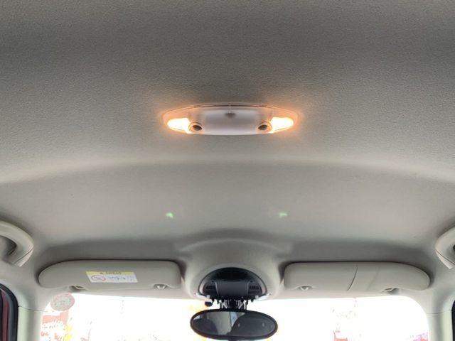 天井:天井部のシートには汚れやシミなどなく清潔な状態を維持しております。
