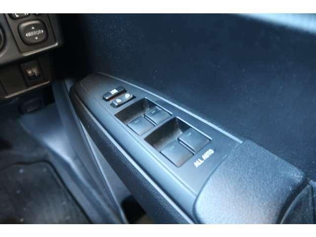 車両のGセンサーから減速度や旋回力を判断し、コーナリング中の不要なシフトアップを抑制する「G AI-SHIFT」を採用。
