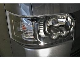 フロントグリル・ドアミラー・ヘッドライトはマッドブラックに塗装済みです!!!!