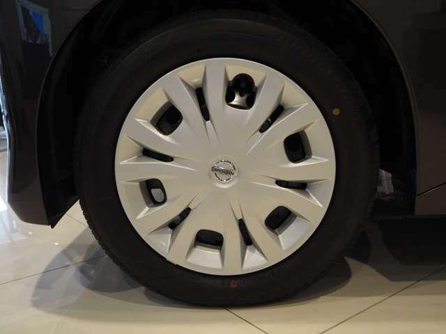 届出済み未使用車なので、タイヤもまだ新しい状態です!