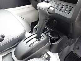 4速オートマ! 高速道路やバイパス的道路では、燃費向上とエンジン回転が下がる事による静粛性が得られます(低燃費、低騒音)高速走行やバイパス的道路を多く走行するユーザーにお勧めです!