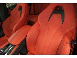 オーダーメイド製BMWインディビジュアル/Mマルチファンクションシート/ムジェルレッドフルレザーメリノ/全席シートヒーター・前席ベンチレーション/参考オプション価格¥337,000