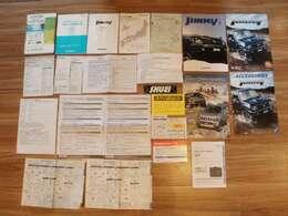 取り扱い説明書(車両・ナビ・用品他)メンテナンスノート保証書など書類多数有ります♪過去の点検整備記録簿4有ります!!!もちろん今回の車検整備記録簿も発行致します!あると嬉しい本カタログ付き♪