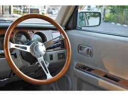 20年以上たったお車とは思えないほどハンドルの擦れも少なく綺麗に保たれております★