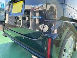 後方にも踏み間違い抑制やブレーキをサポートするセーフティサポート付き!