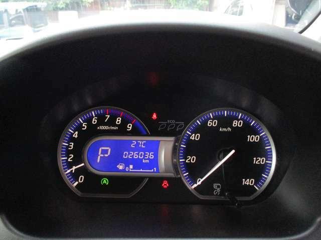 走行少ない『26.036キロ』・・・燃費計/航続計/温度計など、多機能メーター装備♪