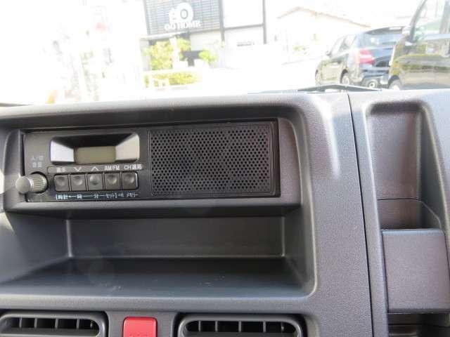 AM/FMラジオ、インパネボックス