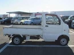 安心してお乗りいただくために、自社整備工場にて車検整備を致します。