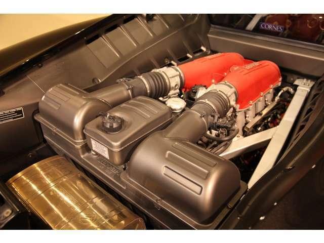 V型8気筒エンジンを搭載しています。