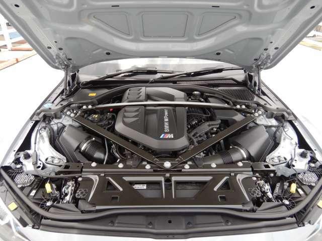 初代E30型M3の195psからスタートした心臓部は代替わりの度にパワーアップを繰り返し、初代の登場からおよそ35年の時を経た6世代目に遂に510ps(カタログ値)にまで到達!