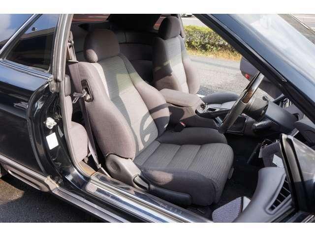 モケットシートなので、本革シートに比べシート表皮のダメージが少ない。
