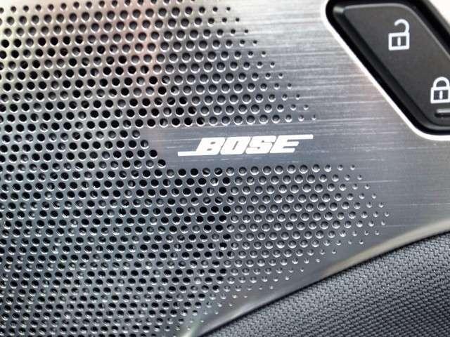メーカーオプションのBOSEスピーカーも含んでおります。音がクリアになります。