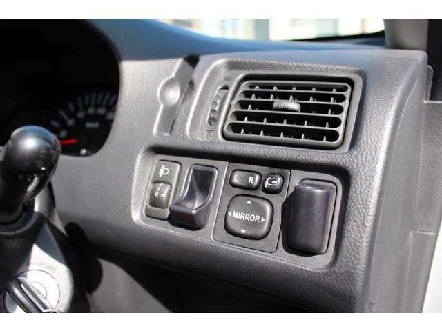 当店のお車は全てETC付きでお渡ししております。不要な場合はレスオプションとしてご対応しております。
