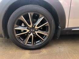 アルミホイール タイヤの販売も自信を持って、おすすめしますスタッドレスタイヤのご相談も当店が責任を持ってご提案いたします。
