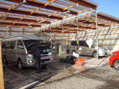 第2整備工場も完備。大型車のメンテナンスもOKです。