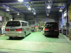 本社整備工場 急なトラブルでも安心商用車用代車も完備しています。