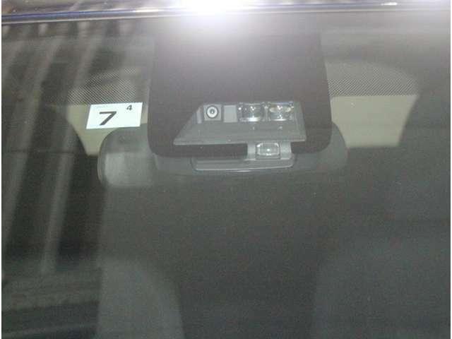 安全装置やその他様々な便利機能も付いております。是非、現車をご確認ください。