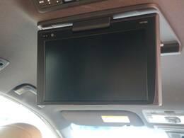 フリップダウンモニターを装備しておりますので後部座席の方も映像をお楽しみいただけます♪