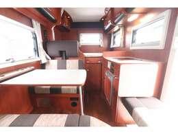 トヨタ カムロード ナッツRV クレソンボヤージュ タイプX ディーゼル 2WD 7名乗車 FFヒーター ツインサブBT TV 1500Wインバーター 冷蔵庫 フェイスパネル