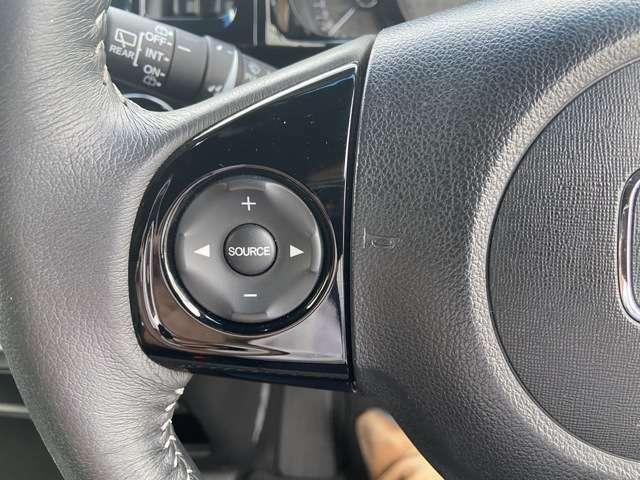 ステアリングリモコン付きです!オーディオや、カーナビの操作が可能!安全運転を手助けしてくれますよ