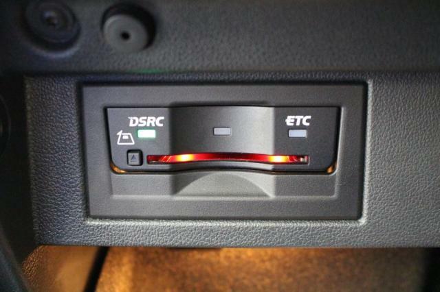高速道路利用時便利なビルトインETCが装備されています。
