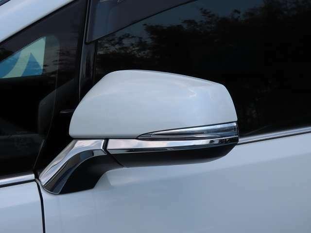 """対向車や歩行者からの視認性が高い""""ウィンカーミラー""""!安全性だけではなくデザイン性も兼ね備えています☆"""