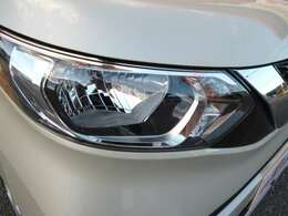 【ヘッドライト】暗い夜道を明るく照らしてくれるので、夜道も安心して運転することができます!