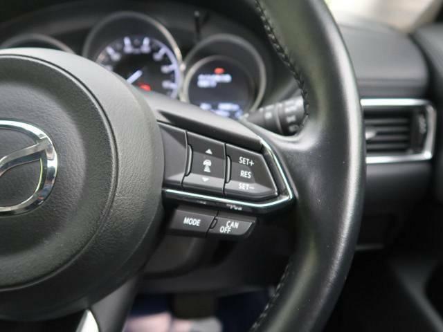 【アダプティブ・クルーズコントロール】付☆予め設定した車速内でクルマが加減速。 前走車との適切な車間距離を維持しながら追従走行し、快適な長距離運転を支援。