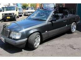 メルセデスの中核をなすのがミディアムクラス、W124シリーズ。1984年デビューから年々熟成を重ねた完成型といえる!