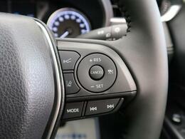 『高速道路で便利な【クルーズコントロール】も装着済み。アクセルを離しても一定速度で走行ができる装備です。加速減速もスイッチ操作で出来ますので、高速でのお出かけもラクラクです♪』