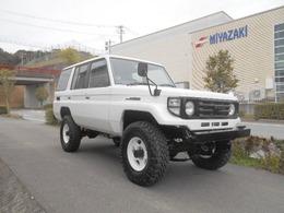トヨタ ランドクルーザー70 4200ディーゼルターボ 公認 全塗装 リフトアップ公認