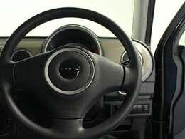 ハンドルは軽やかに回り、気持ちよく運転が出来ます