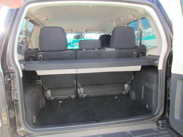 リヤシェルフ付き☆リクライニングの角度で調整できるカバー付きで荷室のプライバシーも守られます☆