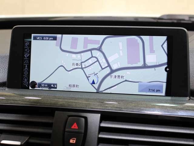 ナビゲーションは純正idriveHDDナビゲーションになります。(CD/DVD/地デジ再生可)Bluetooth・AUX・ミュージックサーバー等も搭載されております!