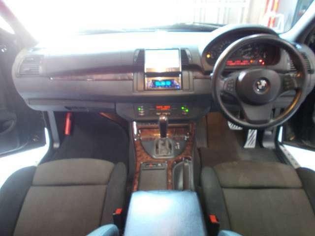 4WD キセノンヘッドライト 純正19インチ タイヤ8分山 HDDナビ CD録音 DVD再生 クルーズコントロール ETC オートライト ステアリンスイッチ ディーラー整備記録簿
