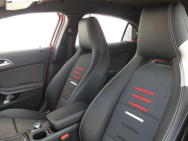 ホールド性の高いレッドステッチ入りブラックハーフレザースポーツシートを採用!フロントシートには冬季に役立つシートヒーターを装備しております!TEL:047-390-1919