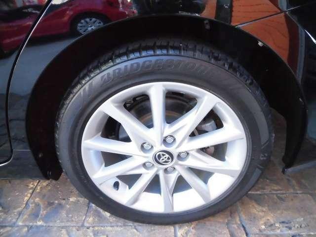 純正アルミホイール付いてます!タイヤの溝もあります。