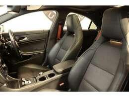 綺麗な状態を維持したブラックレザースポーツシートを設定!メモリー機能付きパワーシート、シートヒーター、ランバーサポートなど多機能設計でドライバーをサポートします!