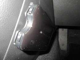 高速道路の御利用時にとても便利なETC車載器付。あとはETCカードを差し込むだけで、わずらわしい料金所での現金支払いが不要となりスムーズに通過できます。