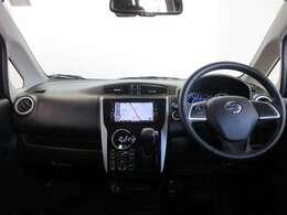 シンプルな運転席でとても使い勝手の良い室内です。