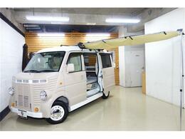 日産 NV100クリッパー キャンピングカー 車中泊 フレンチバス仕様 クルージングキャビネット サイドオ-ニング