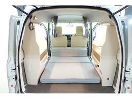 キャンピングカー 車中泊 直流家クルージングキャビネット キャンピングKIT LED照明 USB電源 ソーラーパネル電源 ダイヤル式換気扇 ベットキット 100V外部入力フレンチバス仕様フルエアロ 革調シートカバー