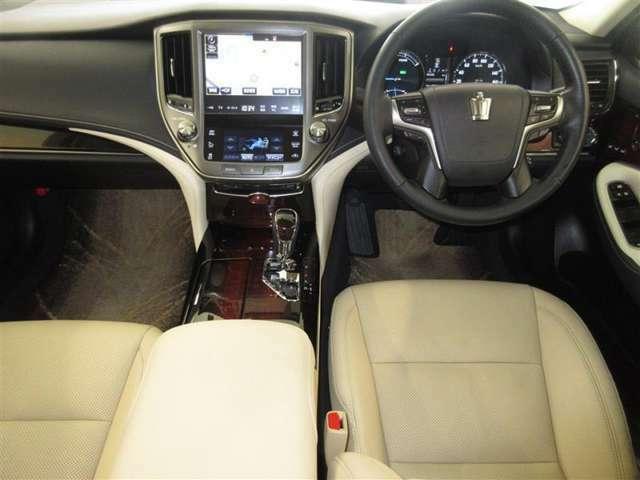 運転席に座った感覚は一番重要ですよね。是非、ご来店頂き実際に座って触って体感してください!お待ちしております('◇')ゞ
