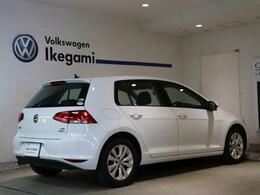 アイドリングストップ、ブレーキエネルギー回生システム等燃費や環境にやさしい車です。