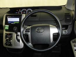 運転のしやすいお車です。ステアリングスイッチはナビに対応しています。オーディオ操作ができます。