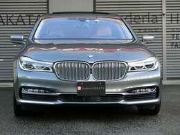 BMWレーザーライトヘッドライト・LEDポジショニングライト。